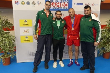 Kozsák György bronzérmes a szambó Eb-n