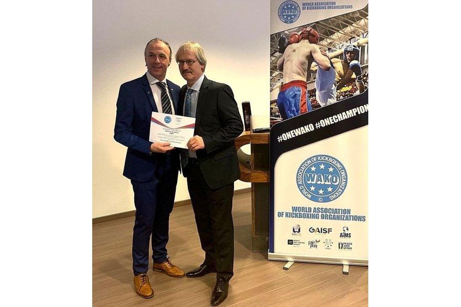 Roy Baker lett a kick-box világszervezet elnöke