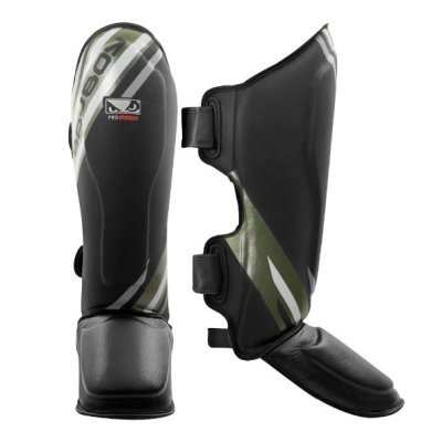 Thai Shin Guards, Bad Boy Pro Series Advanced, black/green