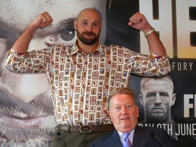 Tyson Fury 100 millió dolláros szerződést írt alá